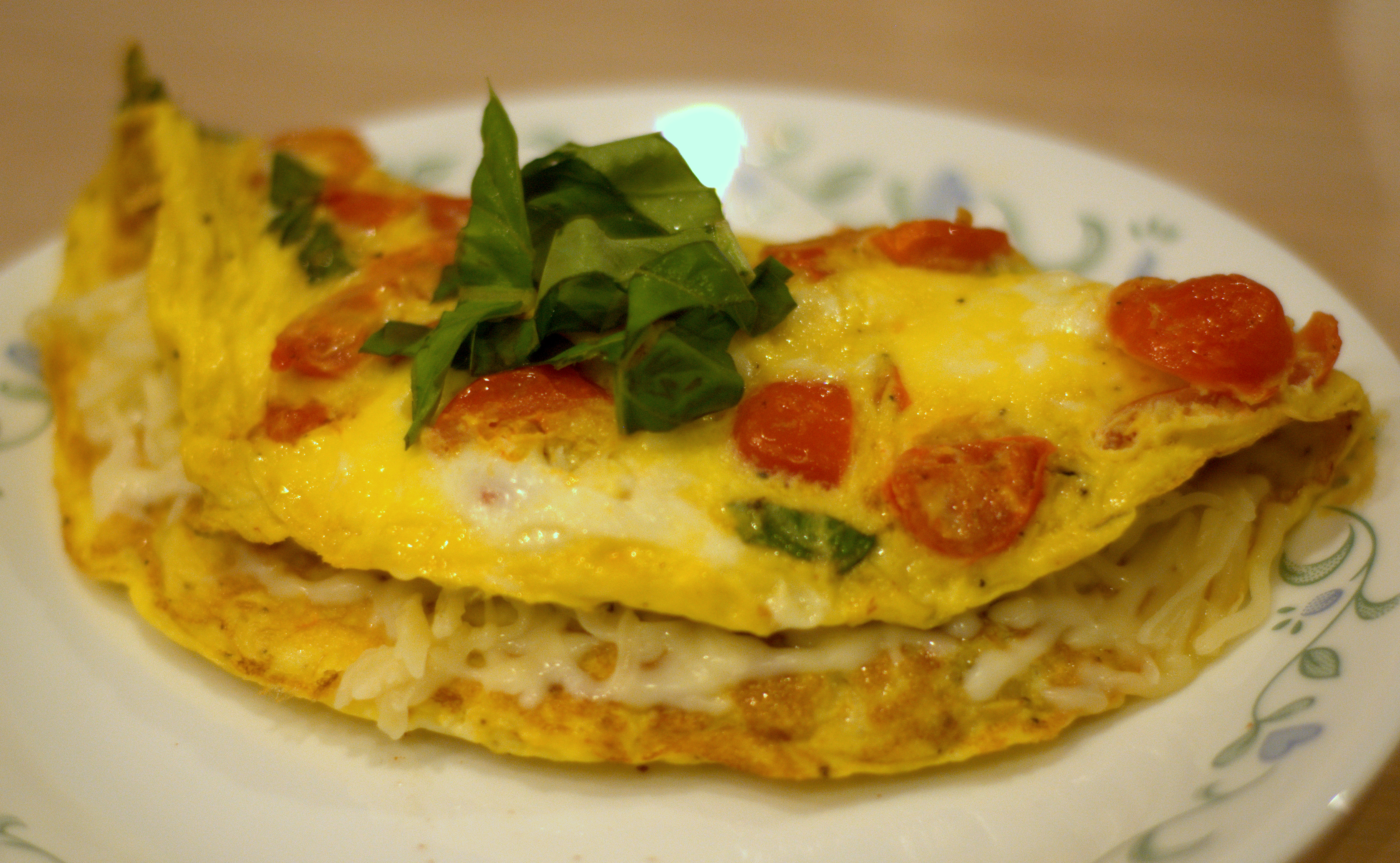 Tomato Mozzarella and Basil Omelet | Test My Recipes